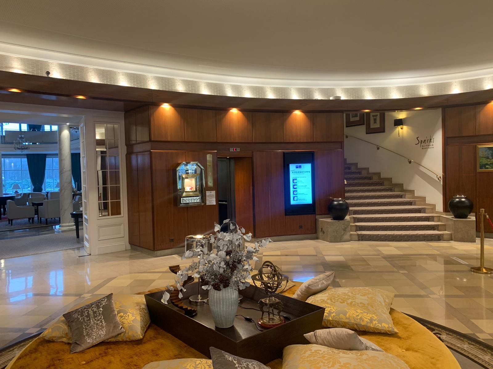 Installation of InfoPlay, our digital signage software in Dorint hotel in Bremen